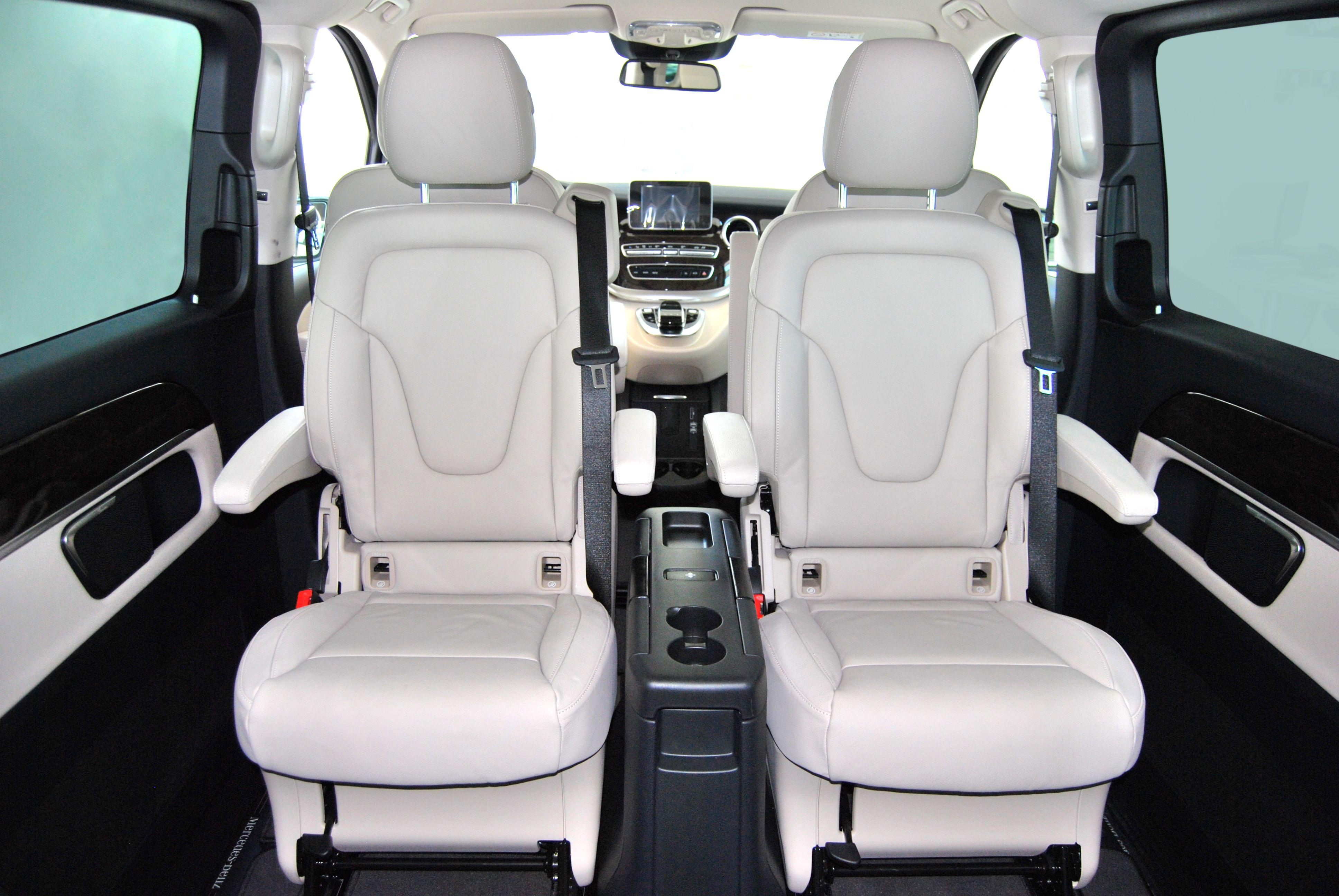 V-Class-Extra-Long-Interior-1