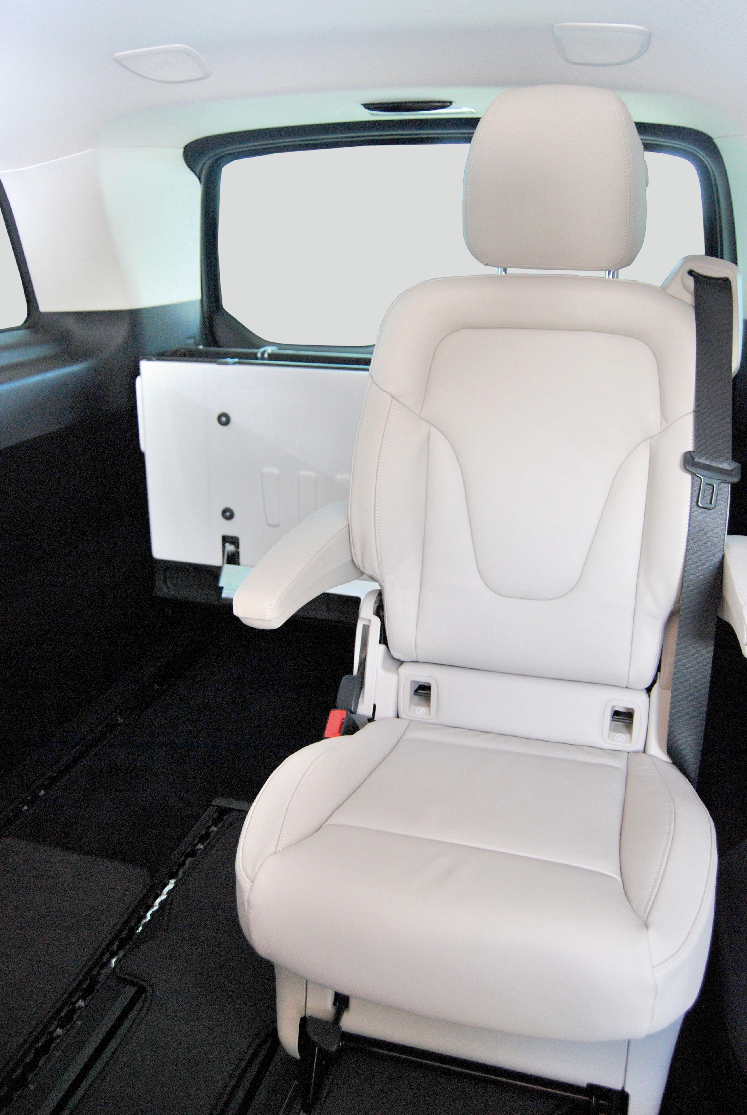 V-Class-Extra-Long-Interior-3