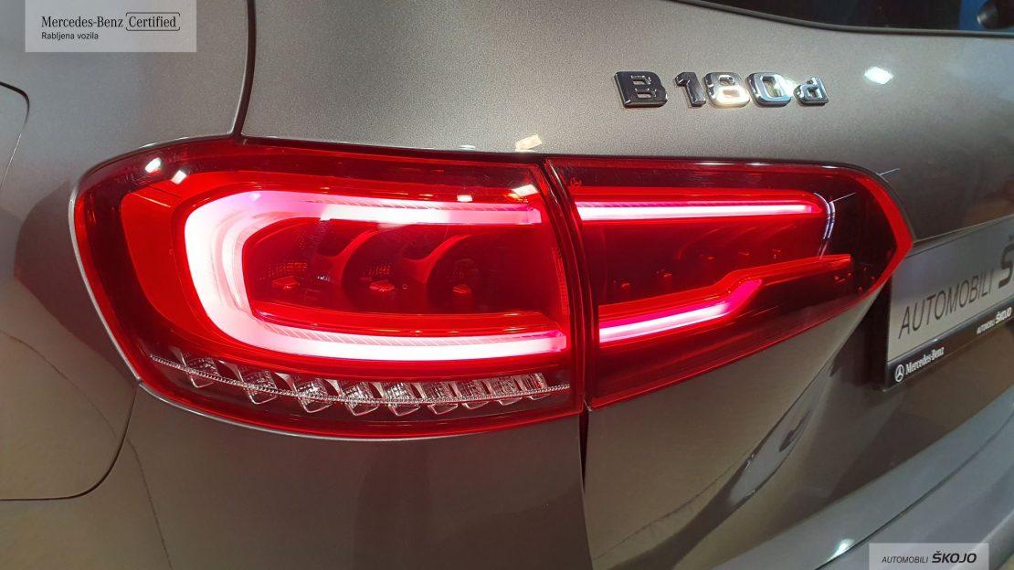 Mercedes-Benz_Škojo_14