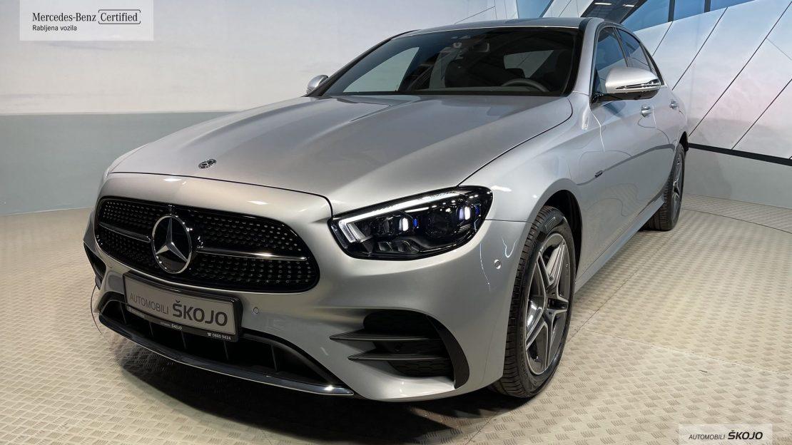 Mercedes-Benz_Škojo_1