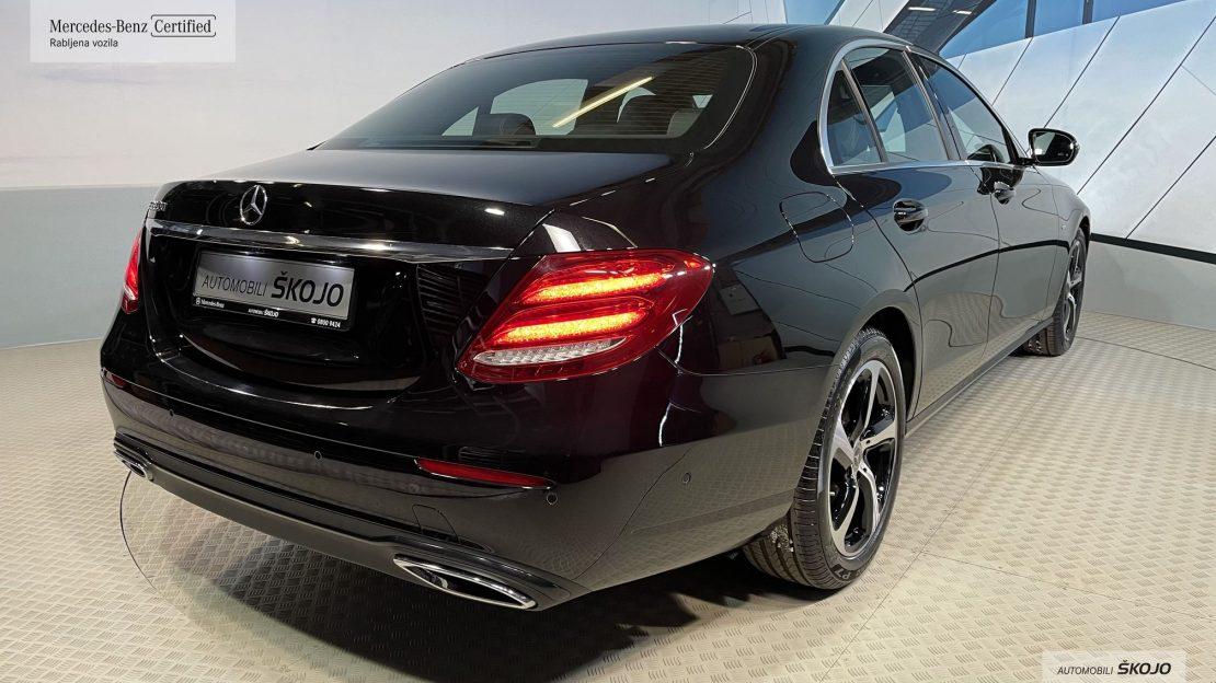 Mercedes-Benz_Škojo_2