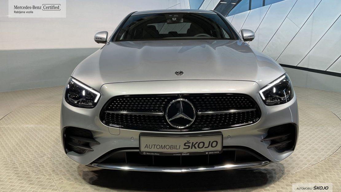 Mercedes-Benz_Škojo_6