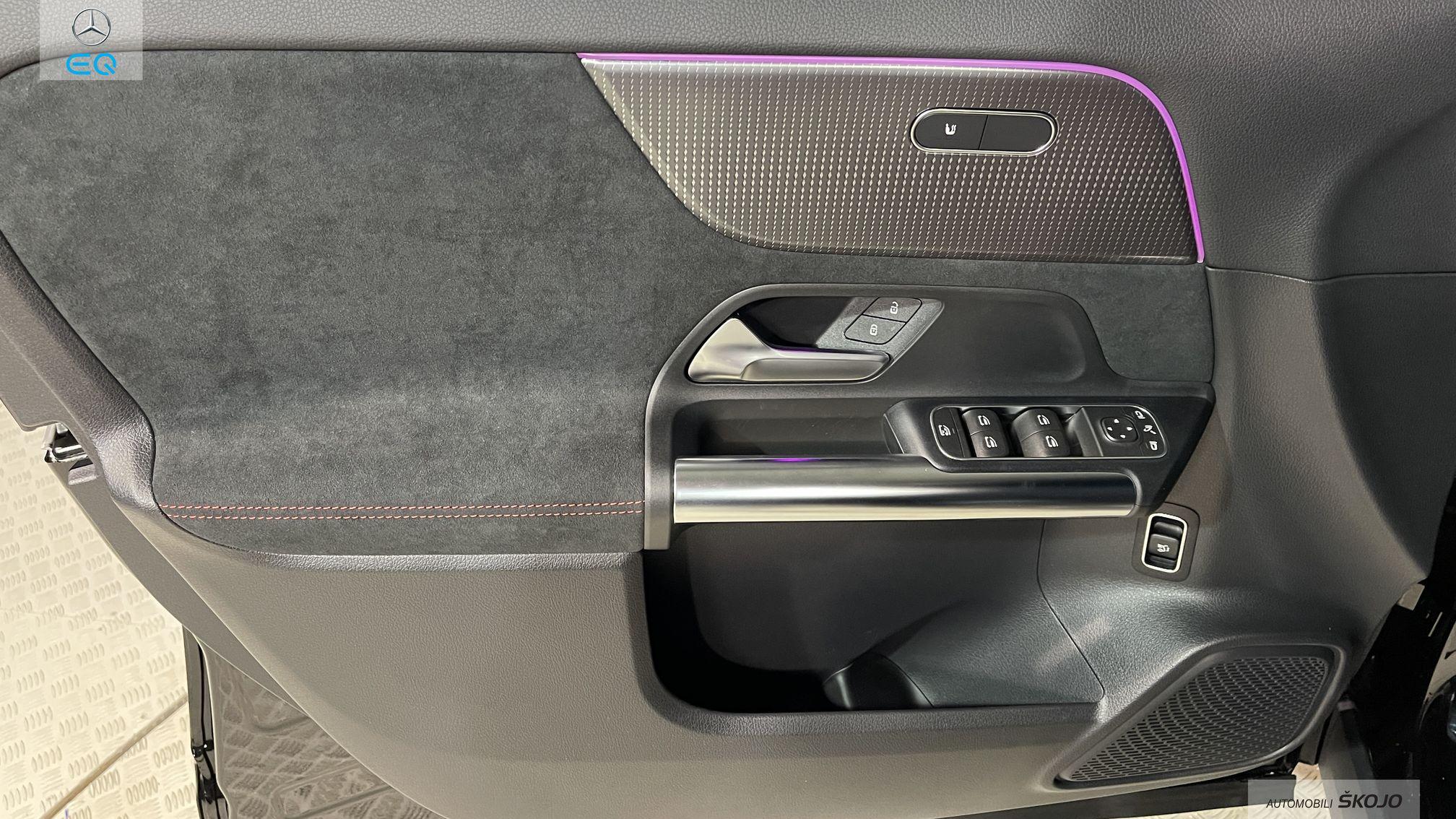 Mercedes-Benz_Škojo_10